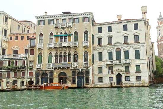 Finestre in stile veneziano