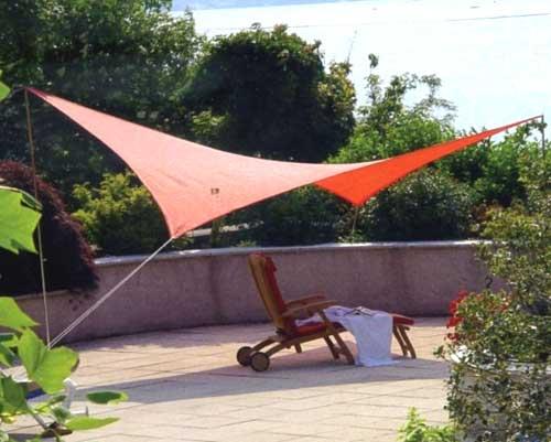 Tipologie di tende da sole a Brescia: tenda a vela
