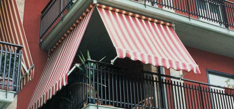 Tenda da sole in condominio a Monza