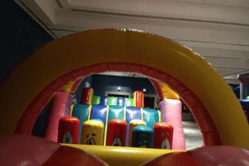 brincolines inflables carrera loca y escaladora maxi