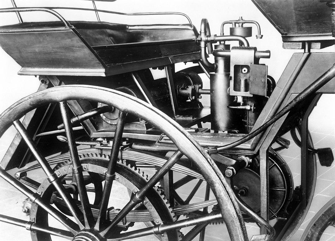 hight resolution of grandfather clock maybach engine