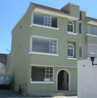 hermosa casa 3 pisos en conocoto  clasificados