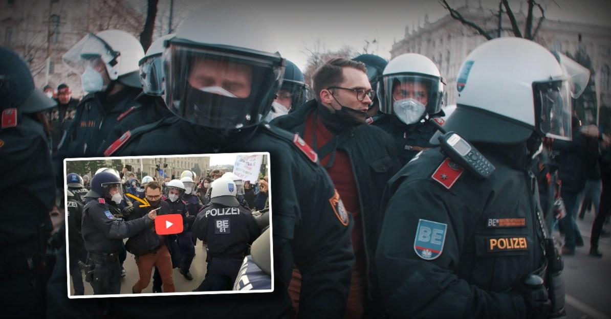 Journalist kritisiert Nehammer - dann schleppt ihn die Polizei weg