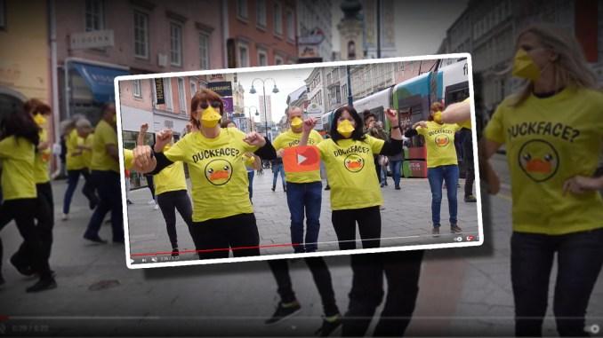 Enten-Flashmob wollte auf unsinniges Maskentragen aufmerksam machen