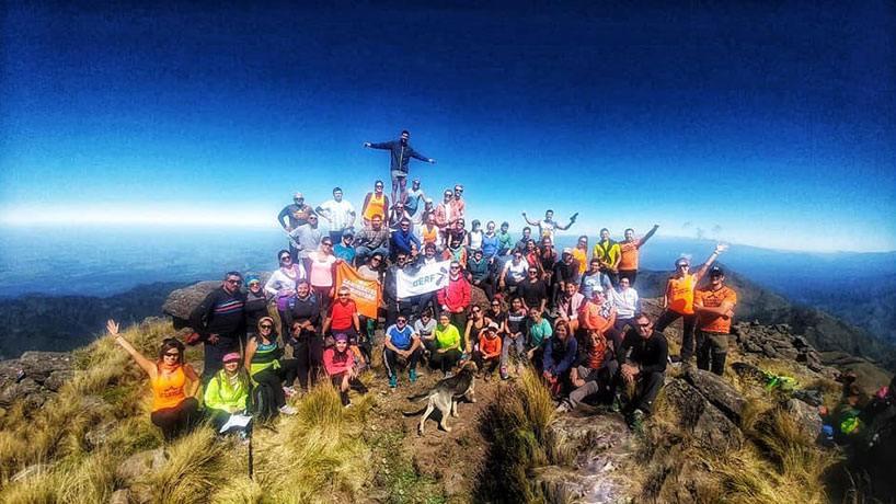Un grupo de 61 personas hizo cumbre en el cerro Ñuñorco