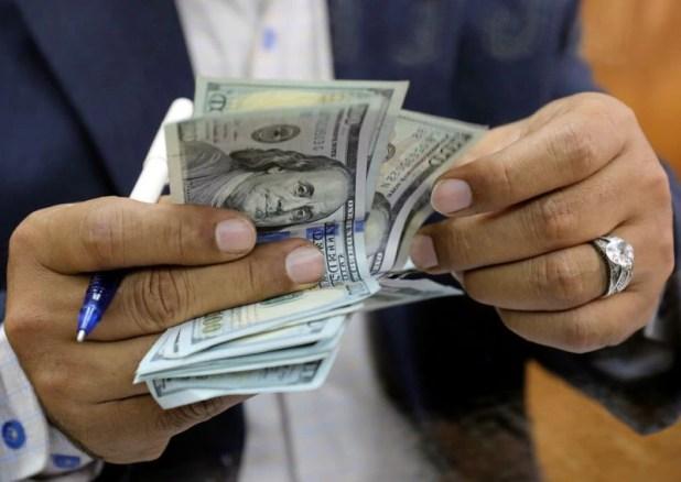 El dólar oficial acompaña a la inflación desde que empezó 2021. (Reuters)