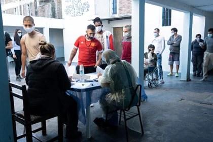 Más de un millón de uruguayos han sido vacunados contra el coronavirus (REUTERS/Ana Ferreira Cirigliano)