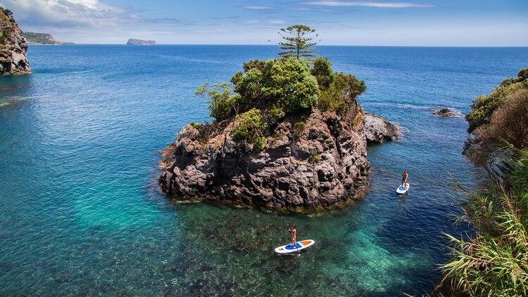 Las condiciones de las islas también hacen que el windsurf, el kayak, el stand up paddle y otras actividades acuáticas sean excelentes (Shutterstock)