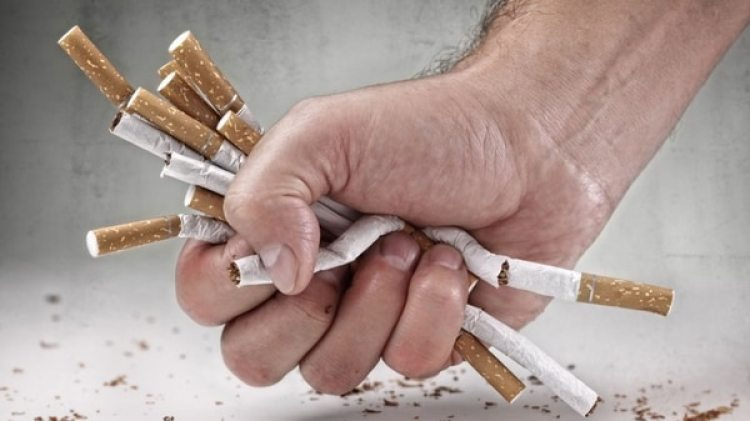 Cada año mueren en el mundo 6 millones de fumadores (iStock)