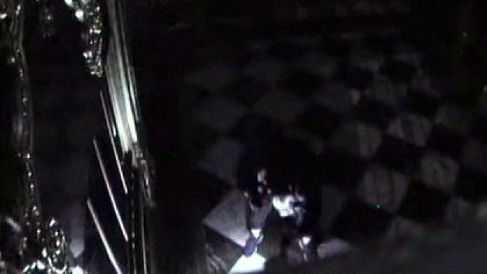 Captura del video de seguridad durante el robo al museo en noviembre de 2019