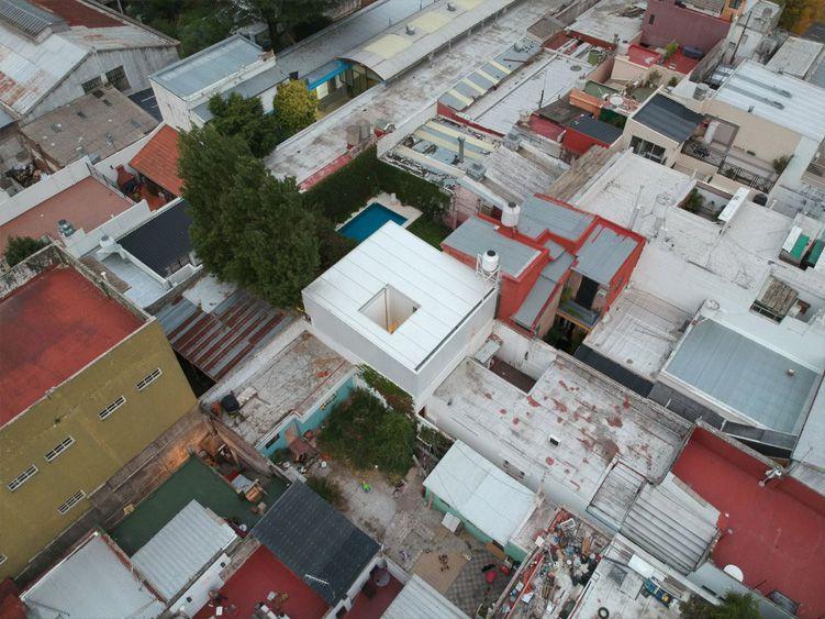 Casa Uma es la última unidad dentro del conjunto, alejada de la calle (Maxi Bort)