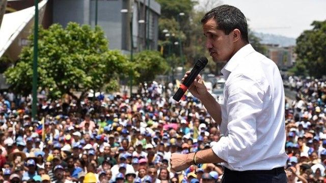 uan Guaidó sigue encabezando las manifestaciones masivas de los venezolanos contra Nicolás Maduro. (Federico PARRA / AFP)