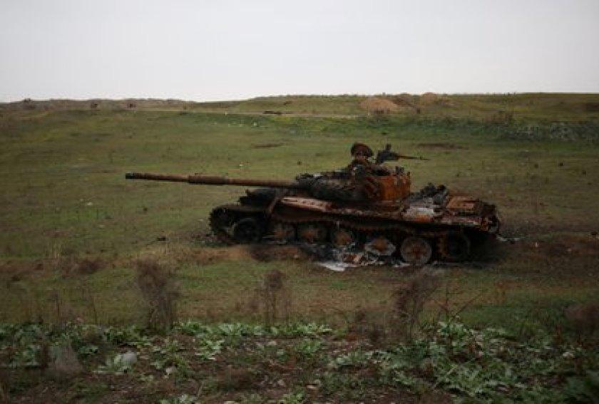 A destroyed tank in the Fuzuli district in the Nagorno-Karabakh region, on November 18, 2020 (REUTERS / Aziz Karimov / File Photo)
