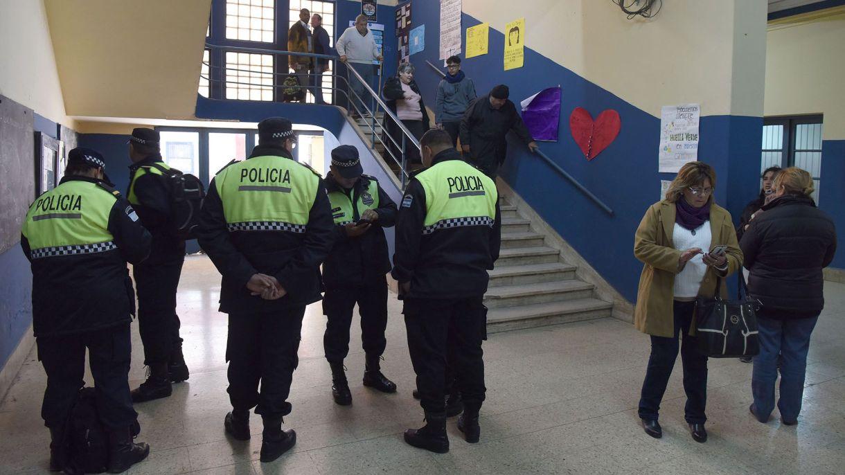Las fuerzas de seguridad custodiarán las urnas en los 24 distritos del país