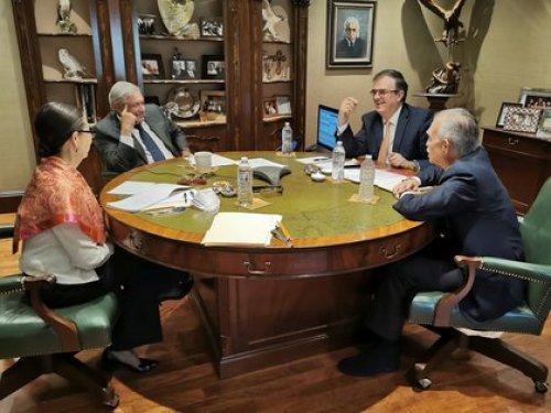 AMLO se reúne con sus colaboradores y con or(Foto: Twitter @lopezobrador_)