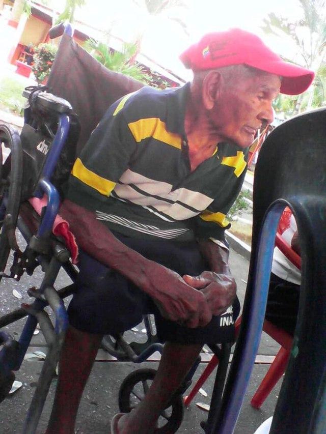 Adulto mayor en ancianato público de Caracas