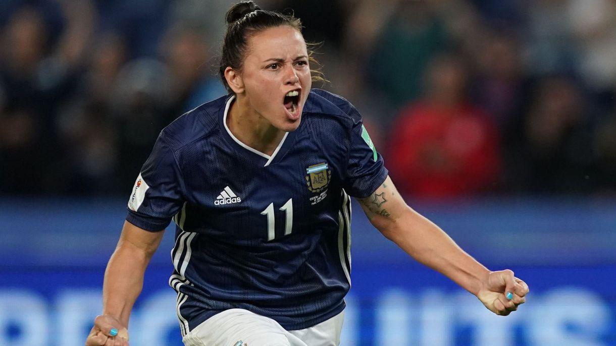 El grito del gol del empate de Florencia Bonsegundo, la heroína argentina(Foto Lionel BONAVENTURE / AFP)