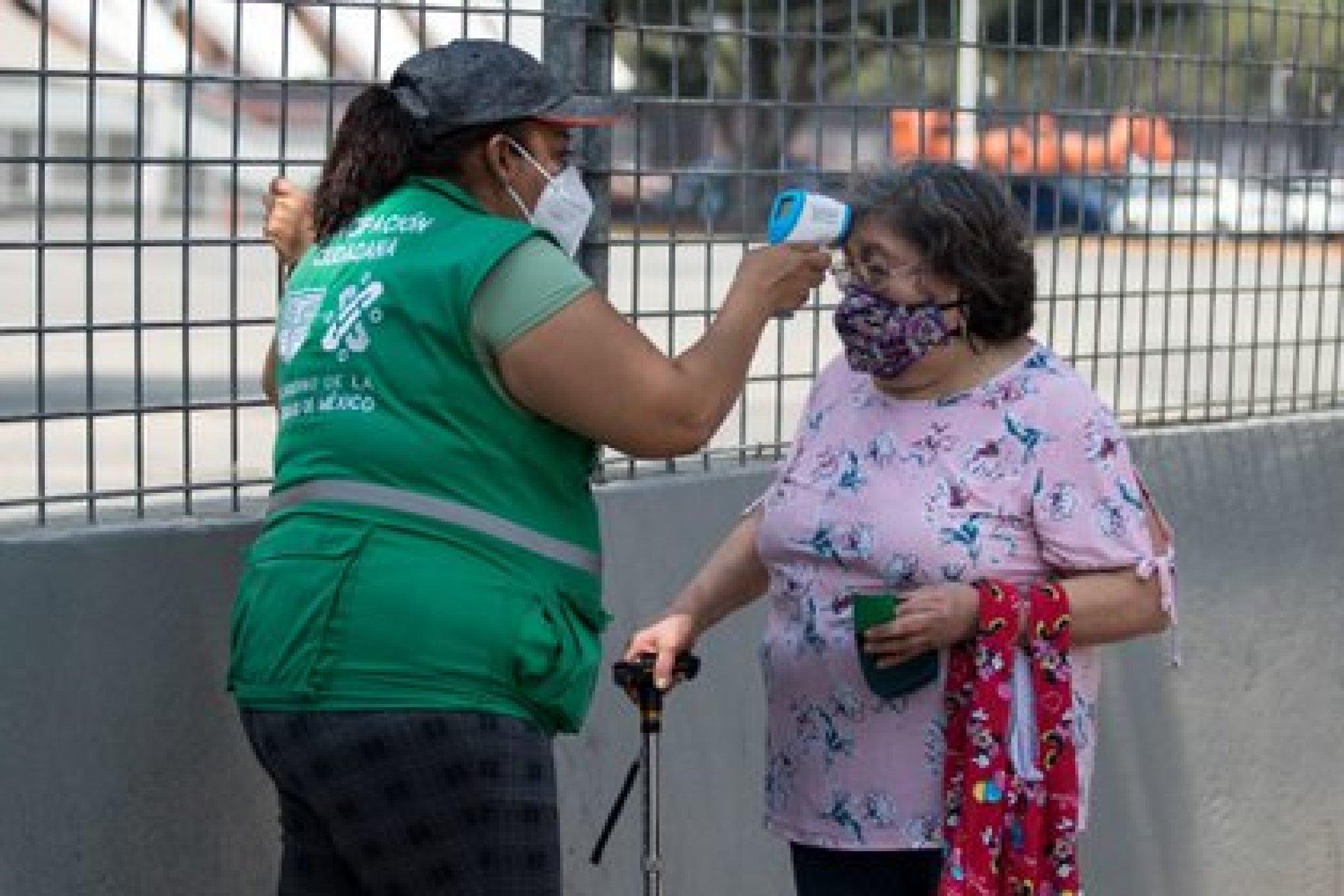 Claudia Sheinbaum Pardo detalló que cada vez se están vacunando a más personas mayores (Foto: Cuartoscuro)