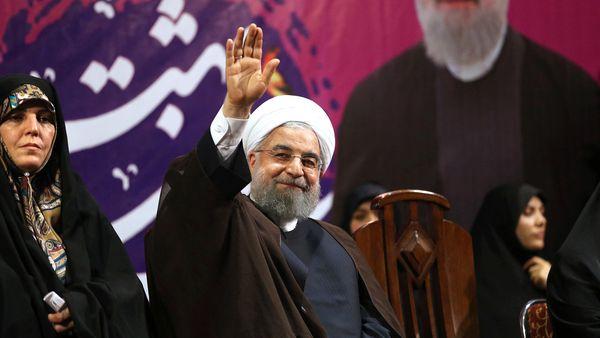 Qatar mantiene una relación ambivalente con el régimen iraní. En la foto, el recientemente reelegido presidente Hassan Rohani (AP)