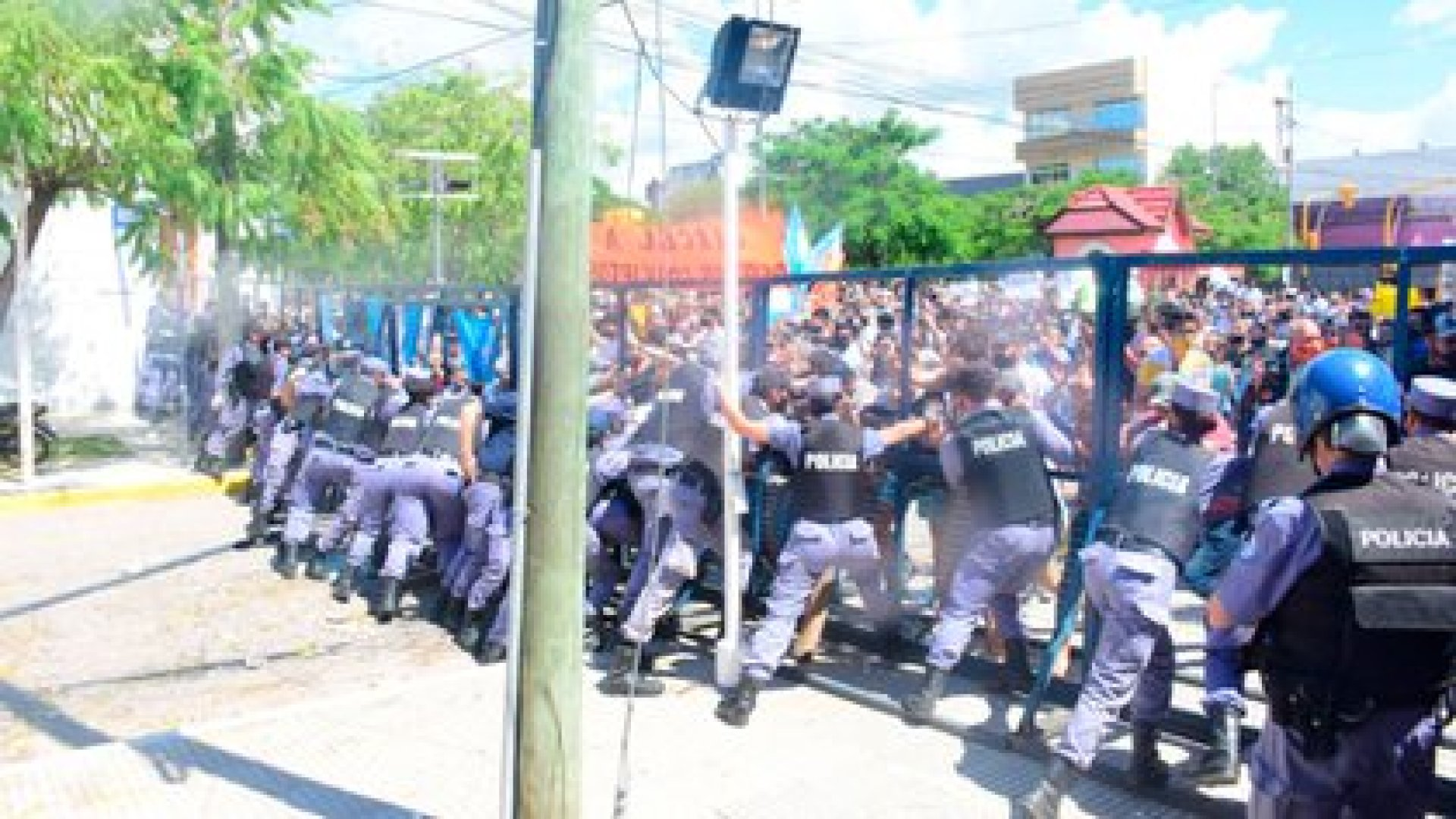 Más de 90 personas quedaron detenidas