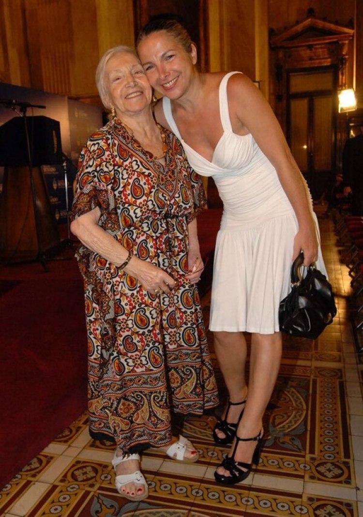 Una de las últimas apariciones pública de Reneé: con su hija Alejandra