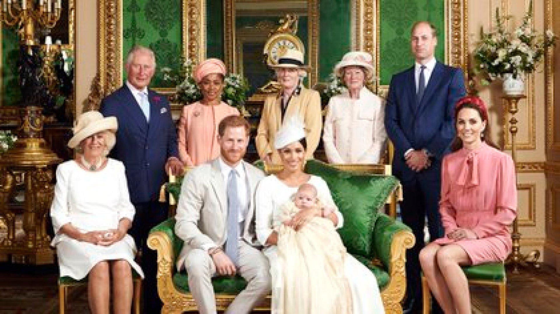 La foto que eligieron compartir los duques de Cambridge para desearle un feliz cumpleaños a Archie, que pronto se convertirá en hermano mayor. Los duques de Sussex esperan su segundo hijo (AP)