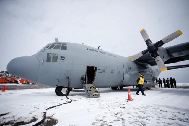 El C-130 desaparecido era una aeronave vieja: fabricada en 1978, comenzó a volar con el Cuerpo de Marines de Estados Unidos y salió de servicio en 2008, tras lo cual fue comprada por Chile (Javier TORRES / AFP)