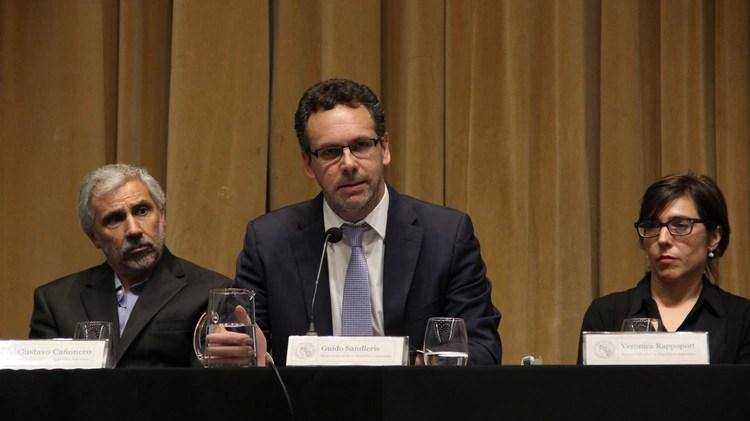 Guido Sandleris (centro), presidente del Banco Central. (Matias Baglietto)