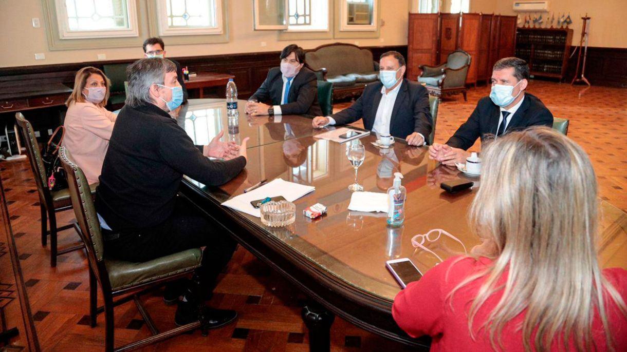 Máximo Kirchner, Ricardo Quintela y diputados