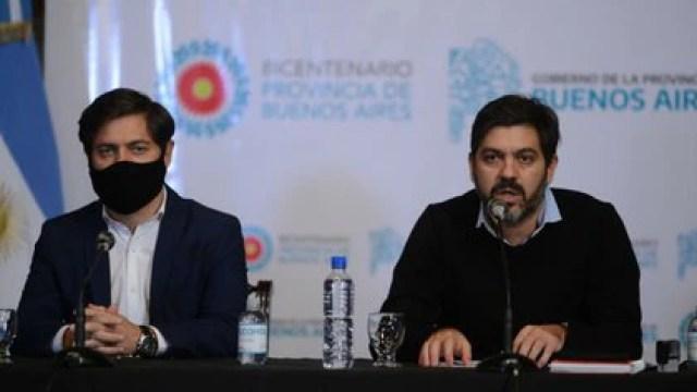 El gobernador Axel Kicillof junto a Carlos Bianco, jefe de Gabinete de la provincia de Buenos Aires (Aglaplata)