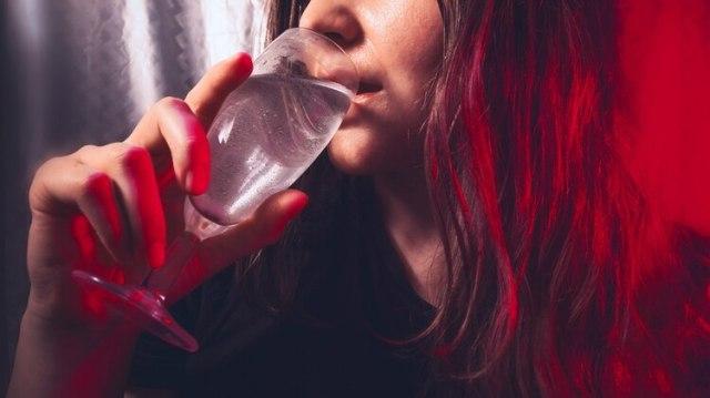Las terapias familiares resultaron efectivas para ayudar a los jóvenes latinos que afrontaba problemas por alcoholismo o drogadicción(Foto: Getty/archivo)
