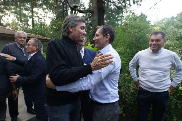 Máximo Kirchner días atrás en reunión con intendentes y con el presidente del PJ Fernando Gray