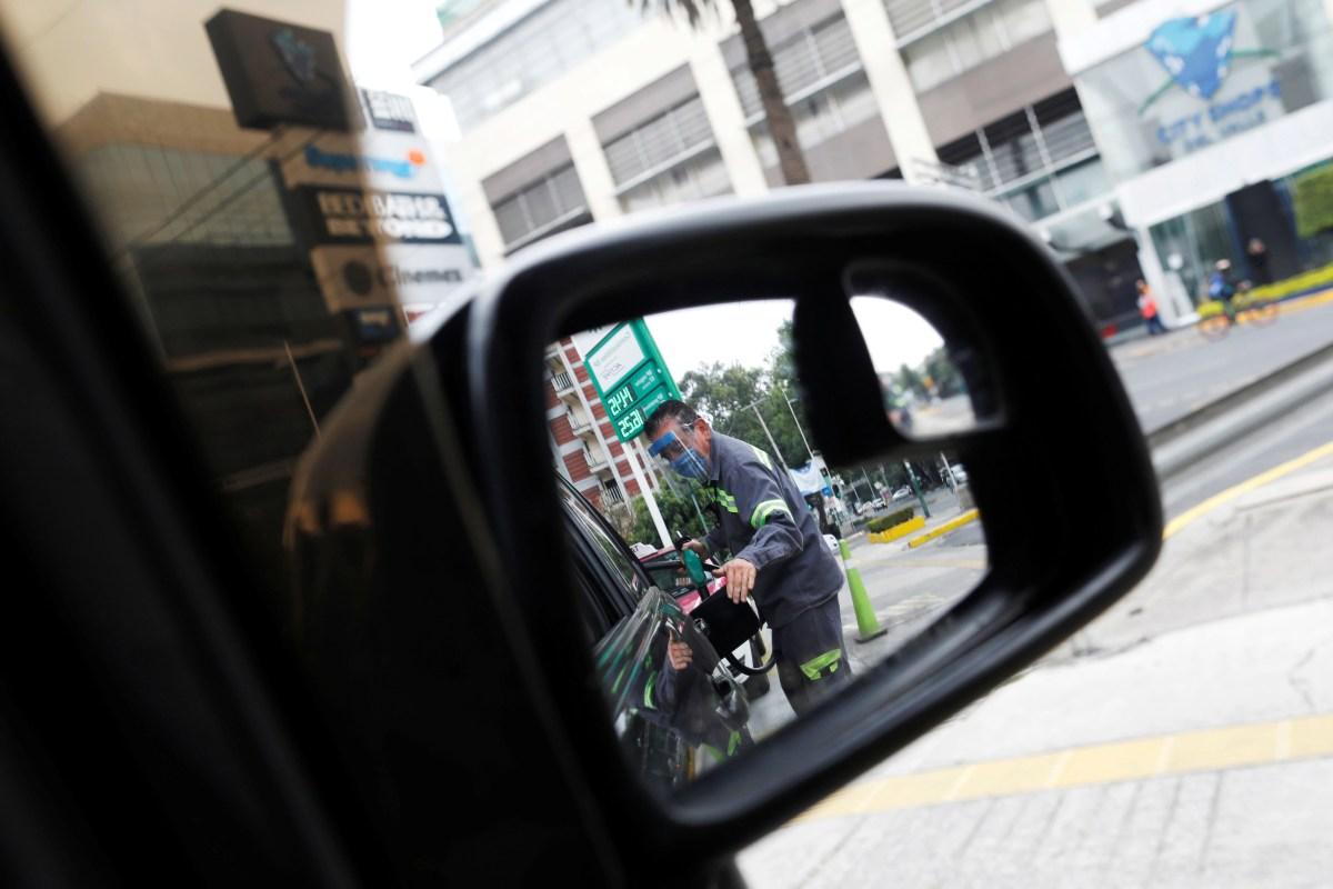 El omitir la implementación del estimulo de Hacienda constituye una práctica monopólica (Foto: Reuters / Carlos Jasso)