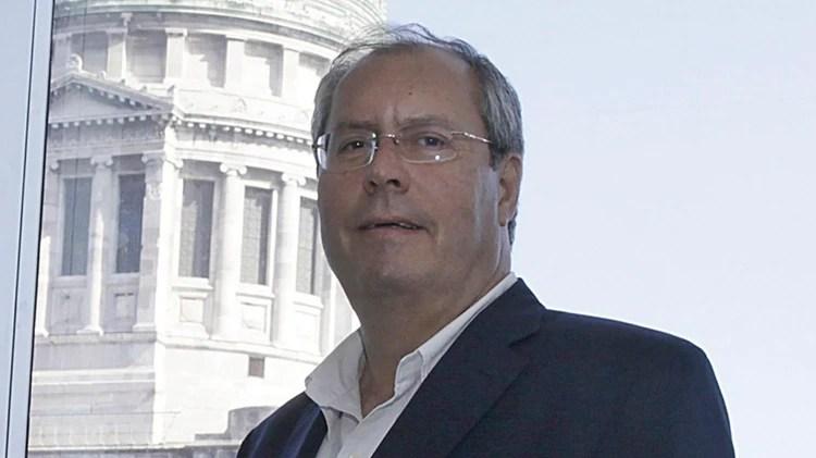 Héctor Olivares (NA)