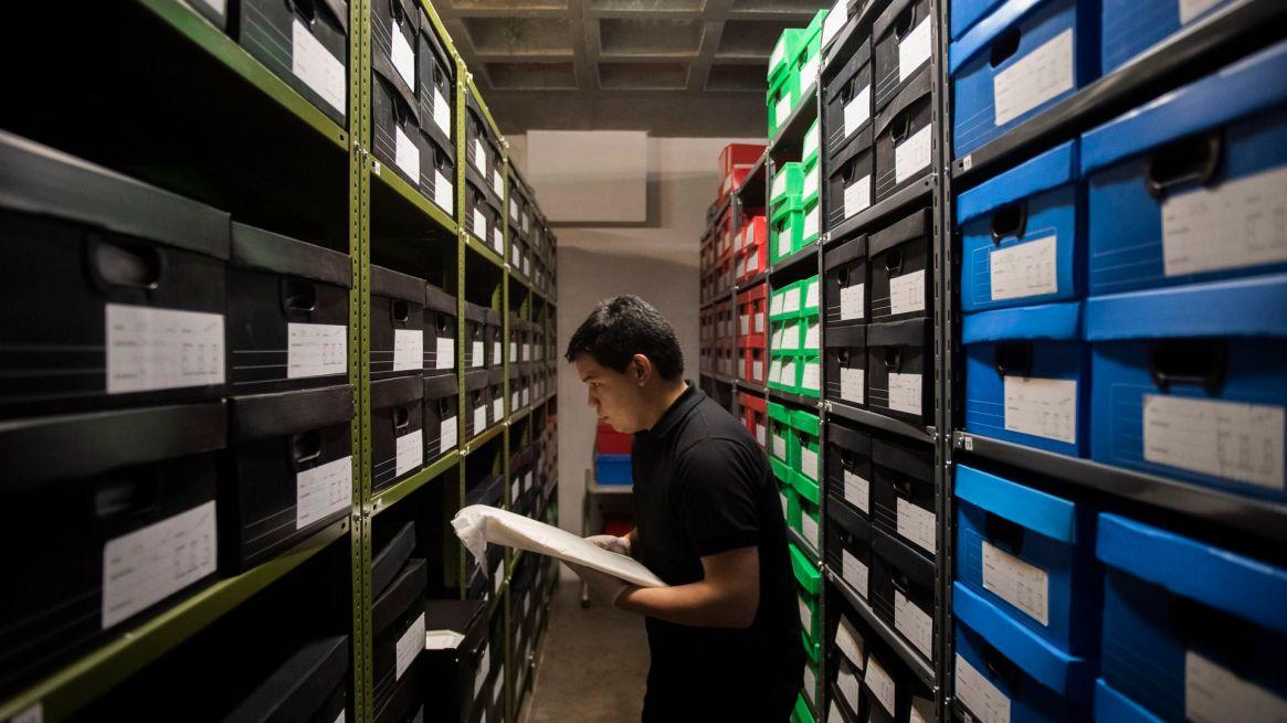 Desde 2013, ha consolidado un total de más de 700.000 piezas y documentos de autores de las diferentes áreas del diseño (Adrián Escandar)