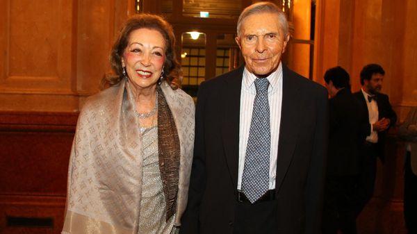 El empresario Alberto Roemmers junto a su esposa, Hebe Colman de Roemmers.