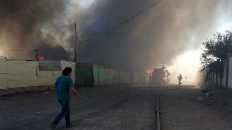 El incendio destruyó 100 casas (EFE)