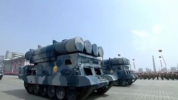 Lanzadores de misiles crucero expuestos en la ceremonia de muestra de poder del pasado sábado