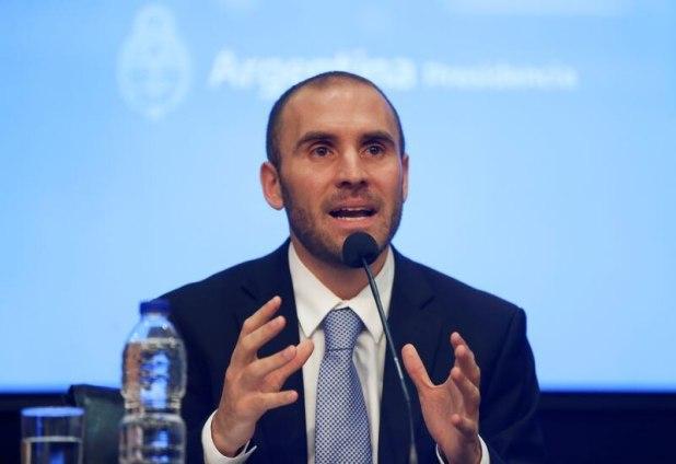 El objetivo del ministro de Economía, Martín Guzmán, es que la mayor cantidad posible de dólares vuelva al sistema bancario y financiero local.