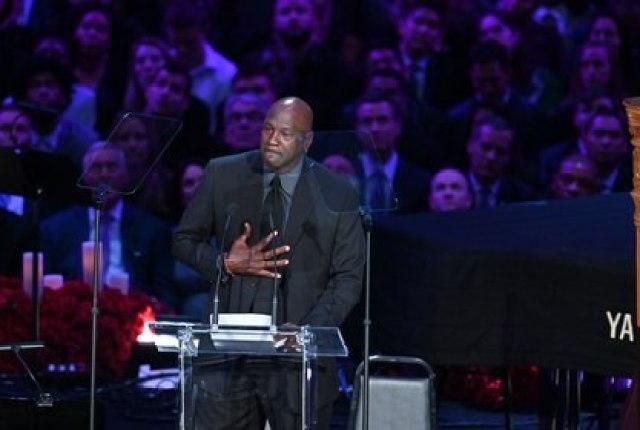 Michael Jordan se emocionó durante la ceremonia a Kobe Bryant en Staples Center (Foto: USA TODAY Sports)