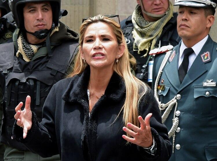Jeanine Áñez (Photo by AIZAR RALDES / AFP)