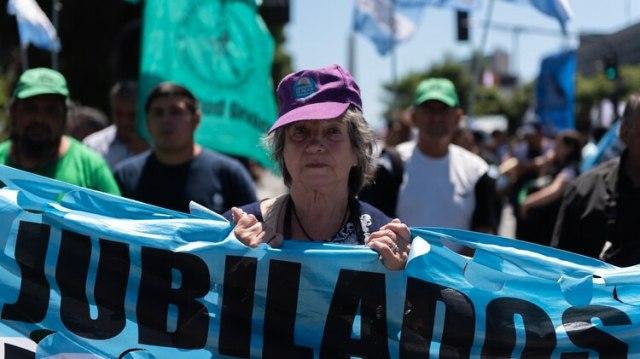 Los movimientos sociales aliados con los legisladores peronistas presionaron por la sanción de la ley de Emergencia Alimentaria. (Adrián Escandar)