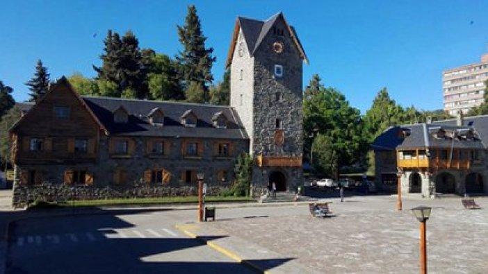 Del total de los contagiados, solamente 10 dieron positivo mientras todavía estaban en Bariloche (@MunicBariloche)