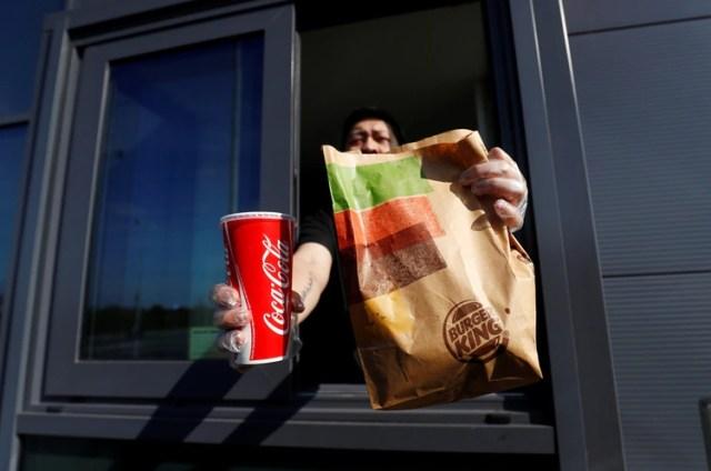 Trece locales de la cadena de hamburguesas Burger King cerraran sus puertas en el país (REUTERS/Jason Cairnduff)