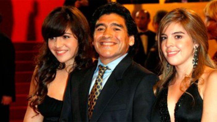 Diego, con Dalma y Gianinna
