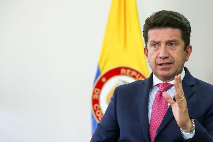 Foto de archivo. El ministro de Defensa de Colombia, Diego Molano, habla durante una entrevista con Reuters en Bogotá, Colombia, 11 de febrero, 2021.  REUTERS/Luisa González