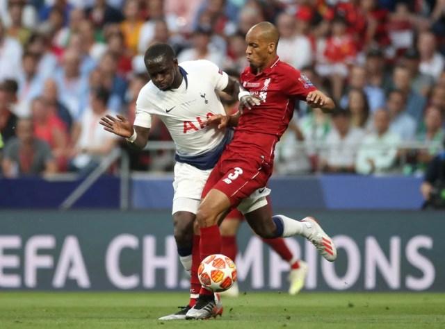 Fabinho, campeón de la Champions League con el Liverpool, es otra de las opciones de Tite (REUTERS)