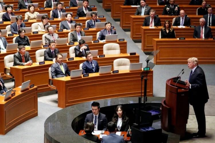Trump ante la asamblea surcoreana (Reuters)