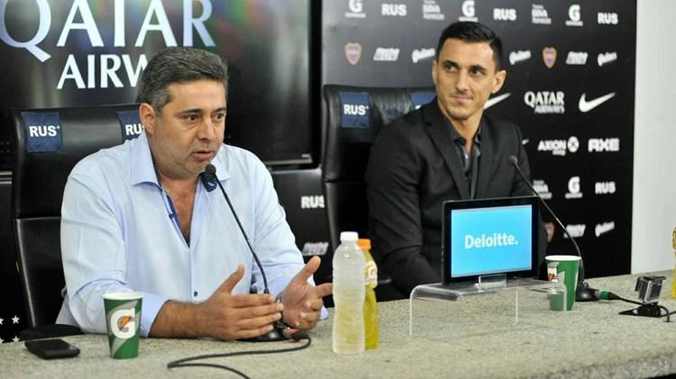 Daniel Angelici y Nicolás Burdisso, presidente y Director Deportivo de Boca (Jaime Olivos)