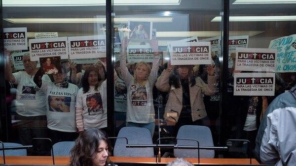 Los familiares de las víctimas del siniestro ferroviario piden justicia (Adrián Escandar )